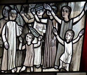 Padre Valdir orienta os fiéis sobre como bem celebrar o Domingo de Ramos em casa
