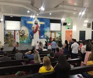 MISSA COM BENÇÃO AOS FORMADOS DO TERCEIRO ANO DA ESCOLA NOVA DINÂMICA
